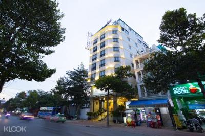 Khách sạn White Stone, Trần Trọng Cung, Quận 7